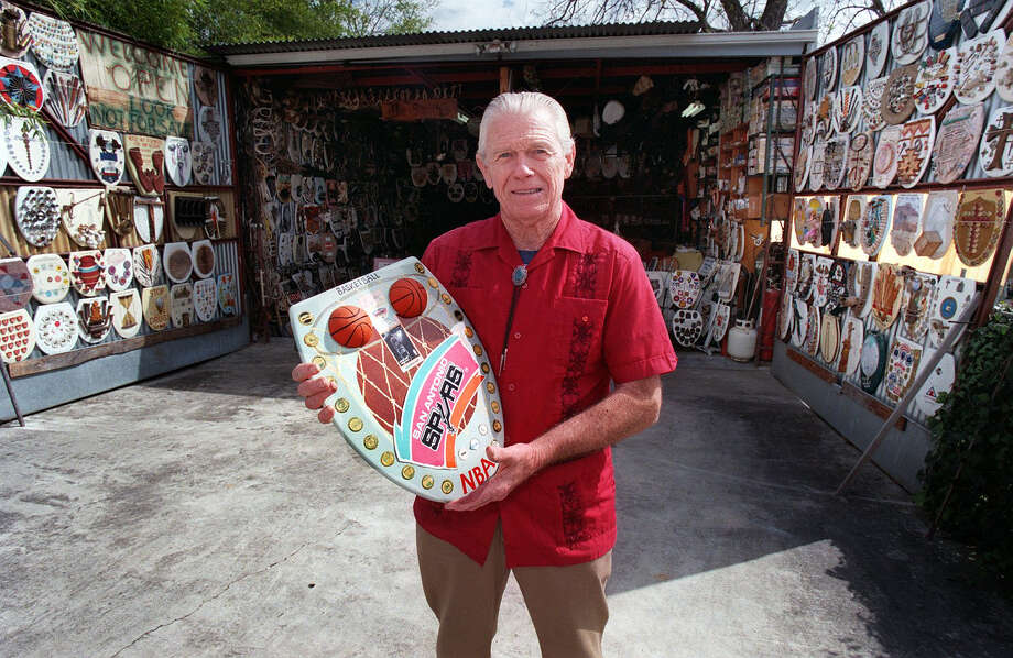 Barney Smith outside his museum of toilet seats. Rick Hunter/Staff Photo: Express-News File Photo / SAN ANTONIO EXPRESS-NEWS