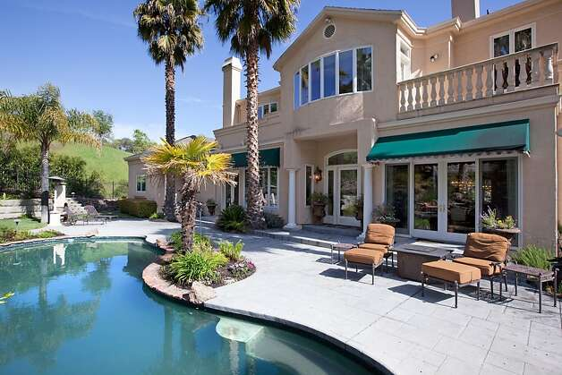 Danville home has resort-style backyard - SFGate