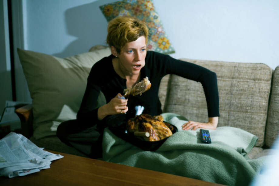 "11. Don't eat in front of the TV ""If you are hungry, reach for fiber rich snacks that fill you up on less calories like popcorn, fruit, trail mix,"" Shapiro says. Photo: Lars Borges / (c) Lars Borges"