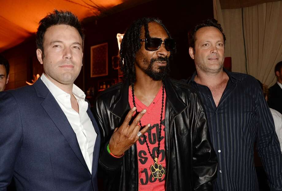 CULVER CITY, CA - JUNE 08:  (L-R) Actor/director Ben Affleck, rapper Snoop Dogg, and actor Vince Vaughn attend Spike TV's Guys Choice 2013 at Sony Pictures Studios on June 8, 2013 in Culver City, California.  (Photo by Jason Merritt/Getty Images for Spike TV)