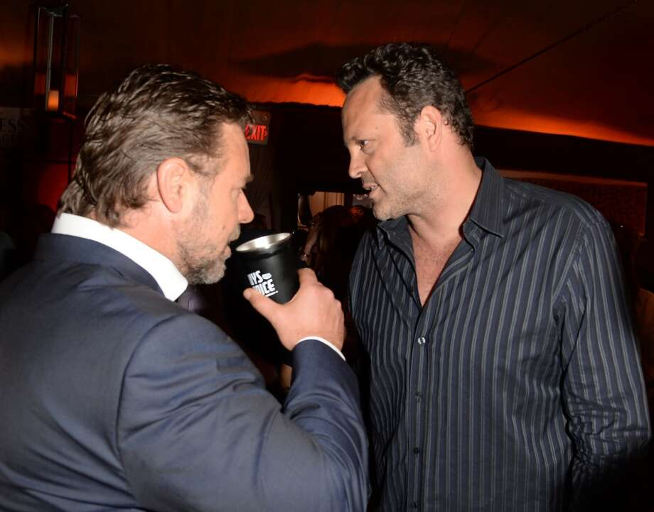 CULVER CITY, CA - JUNE 08:  Actor Russell Crowe (L) and actor Vince Vaughn attend Spike TV's Guys Choice 2013 at Sony Pictures Studios on June 8, 2013 in Culver City, California. (Photo by Jason Merritt/Getty Images for Spike TV)