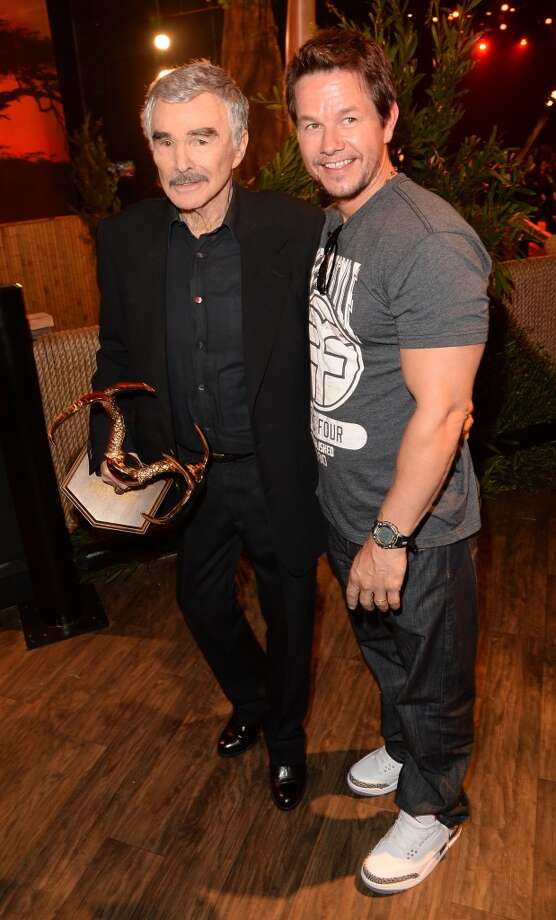 CULVER CITY, CA - JUNE 08:  Actors Burt Reynolds (L) and Mark Wahlberg attend Spike TV's Guys Choice 2013 at Sony Pictures Studios on June 8, 2013 in Culver City, California.  (Photo by Jason Merritt/Getty Images for Spike TV)
