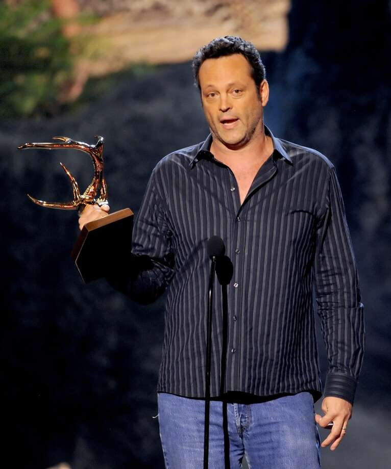CULVER CITY, CA - JUNE 08:  Actor Vince Vaughn accepts award onstage during Spike TV's Guys Choice 2013 at Sony Pictures Studios on June 8, 2013 in Culver City, California.  (Photo by Kevin Winter/Getty Images for Spike TV)