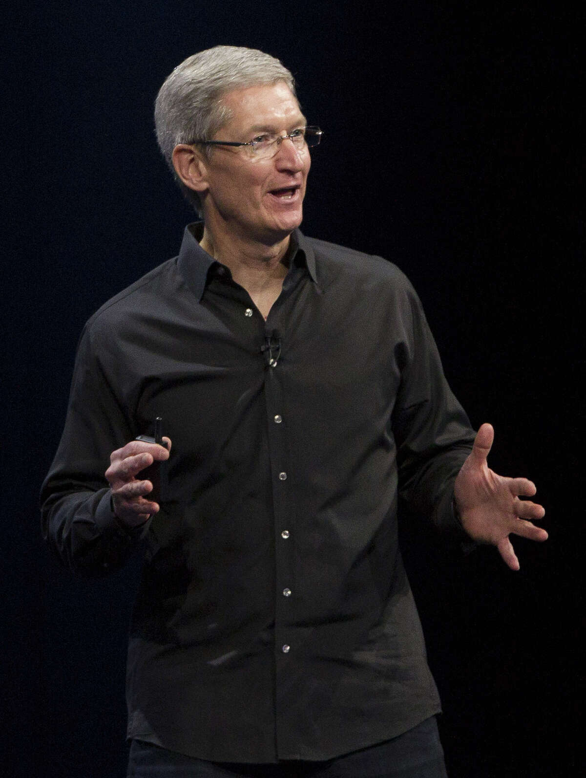 The least-likely choice in the betting pool, at 100-to-1 odds, is Apple CEO Tim Cook. That'd be the biggest hop to a rival since Brett Favre joined the Vikings (yeah, we know he stopped over at the Jets in between).