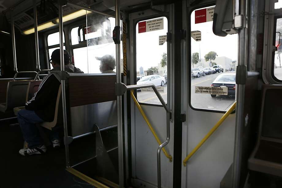 Muni says 15 passengers have forced open back doors and leaped since May 30. Photo: Ian C. Bates, The Chronicle