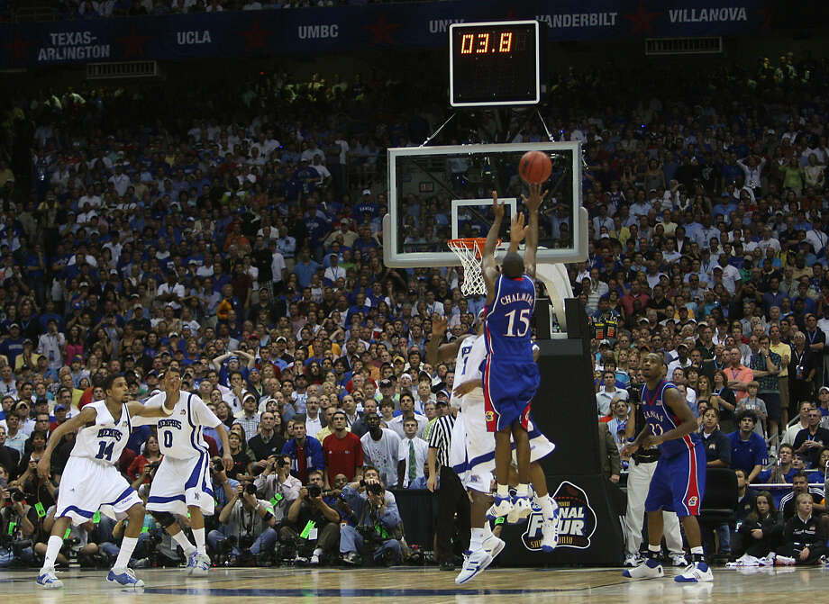 Mario Chalmers, who hit this game-tying 3-pointer for Kansas in the 2008 NCAA final at the Alamodome, is very confident. Photo: William Luther / San Antonio Express-News