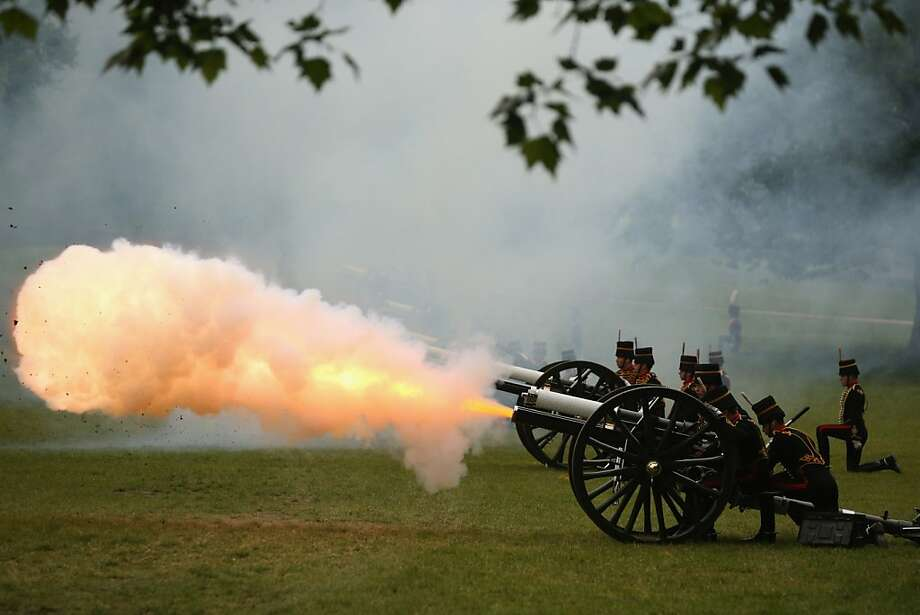 LONDON, ENGLAND - JUNE 10:  King's Troop Royal Horse Artillery fire a 41-gun salute in Green Park to celebrate the 92nd birthday of Prince Philip, the Duke of Edinburgh on June 10, 2013 in London, England. The Duke of Edinburgh underwent a scheduled operation on his abdomen at the London Clinic on June 7, 2013 and will spend his birthday in hospital where he remains under observation.  (Photo by Oli Scarff/Getty Images) *** BESTPIX *** Photo: Oli Scarff, Getty Images