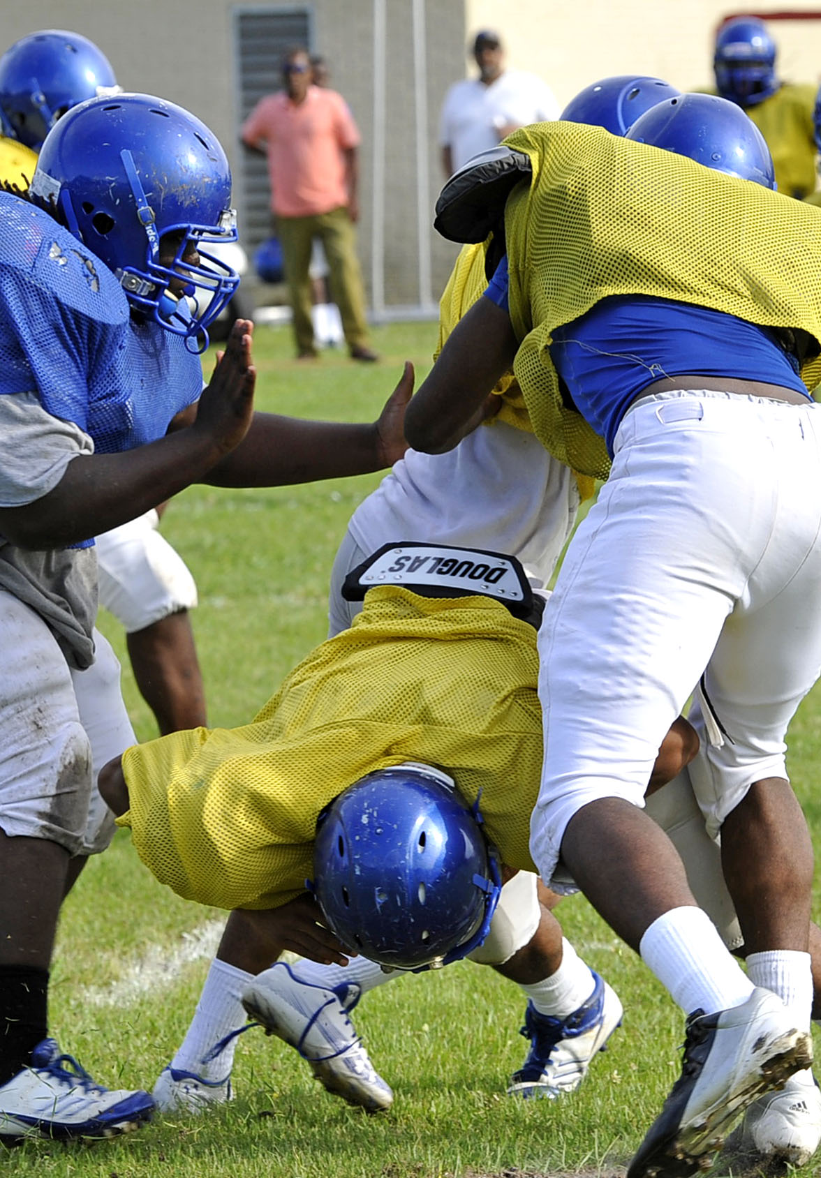 Coaches Weigh In On Uil S Decision To Limit Tackle During