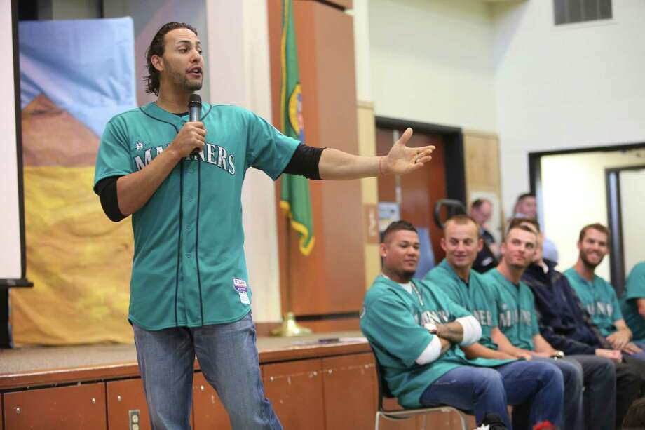 Mariners player Michael Morse speaks to students at Cedarhurst Elementary School in Burien during the Mariners' annual D.R.E.A.M. Team assembly. Players visited elementary schools in the Seattle area on Tuesday to talk about the D.R.E.A.M. principles: Drug free, respect for yourself and others, Education through reading, Attitude and Motivation to achieve your dreams. Photo: JOSHUA TRUJILLO, SEATTLEPI.COM / SEATTLEPI.COM