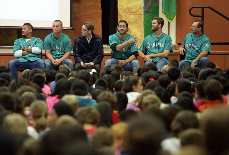 Mariners players gather at Cedarhurst Elementary School in Burien during the Mariners' annual D.R.E.A.M. Team assembly. Players visited elementary schools in the Seattle area on Tuesday to talk about the D.R.E.A.M. principles: Drug free, respect for yourself and others, Education through reading, Attitude and Motivation to achieve your dreams. Photo: JOSHUA TRUJILLO, SEATTLEPI.COM / SEATTLEPI.COM