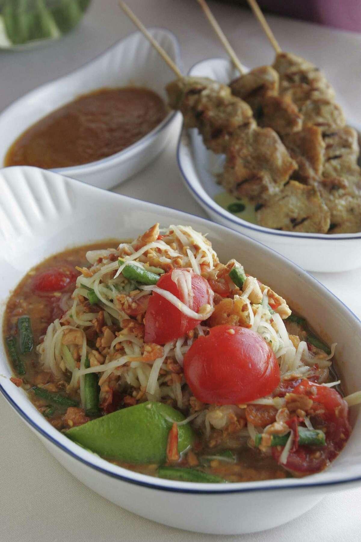 Som Tum at Vieng Thai