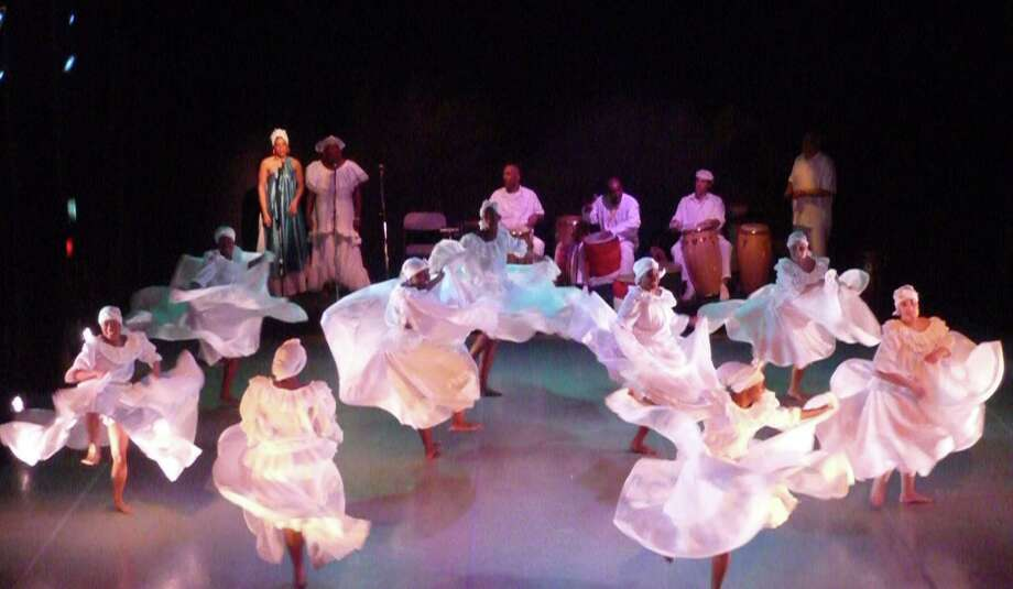 Oyu Oro Afro-Cuban Dance Ensemble (Center for Traditional Music and Dance)