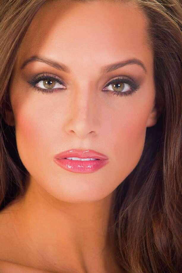 Miss Illinois Stacie JurisFun fact: She works as a freelance makeup artist. Photo: Darren Decker, Miss Universe Organization / HO/Miss Universe Organization L.P., LLLP.
