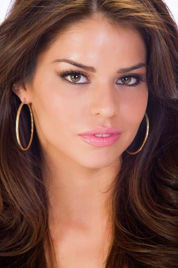 Miss California Mabelynn CapelujFun fact: She's the older sister to six younger brothers. Photo: Darren Decker, Miss Universe Organization / HO/Miss Universe Organization L.P., LLLP.