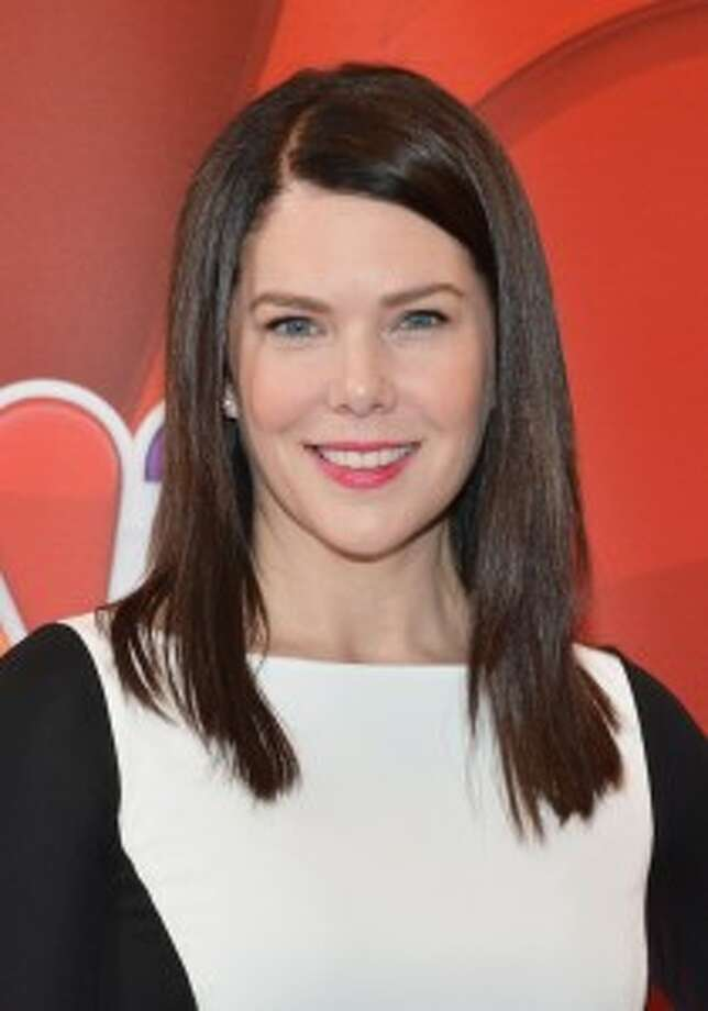 "Lauren GrahamPortrays mom Sarah Braverman on NBC's ""Parenthood"" Per episode salary: $175,000Source: Time.com"