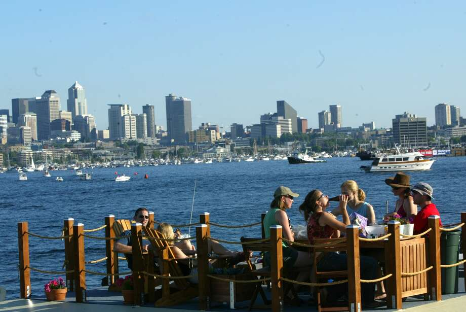 How Lake Union houseboaters relax, now. (Photo: Seattle Post-Intelligencer file).  Photo: KAREN DUCEY