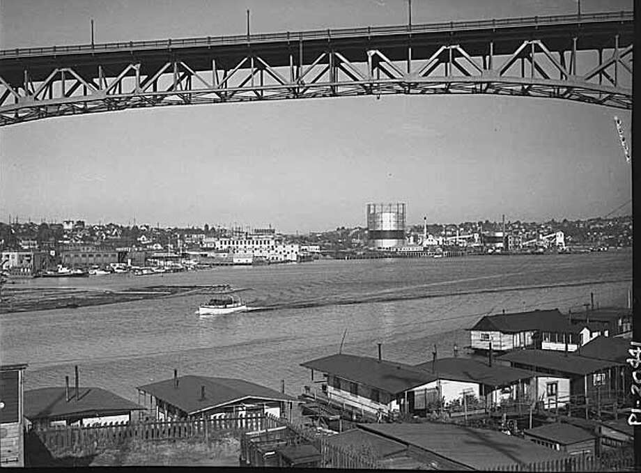 Depression-era houseboats, 1935. (Photo:copyright MOHAI, Seattle Post-Intelligencer collection, PI20441). Photo: -