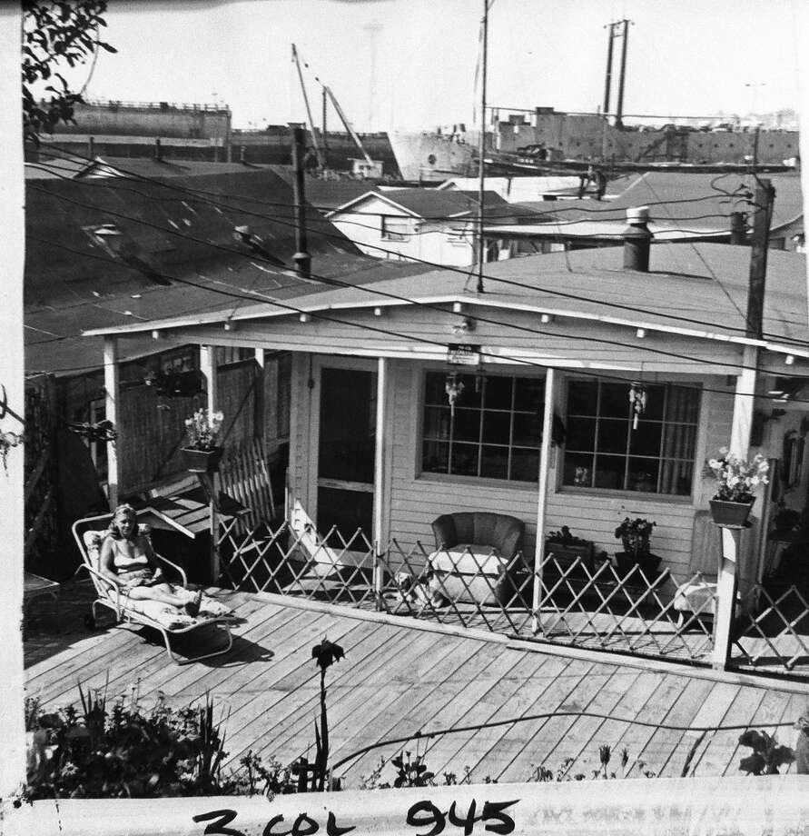 How Lake Union houseboaters relaxed, 1962. (Photo: copyright MOHAI,  Seattle Post-Intelligencer collection, 2000.107.6). Photo: -