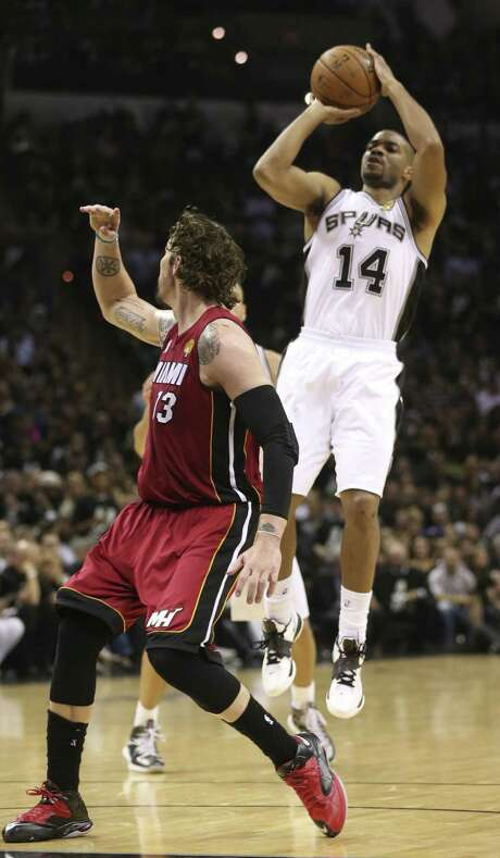 Guard Gary Neal hit six 3-pointers to help ignite a Spurs blowout over the Heat in Game 3 at the AT&T Center. Photo: Jerry Lara / San Antonio Express-News