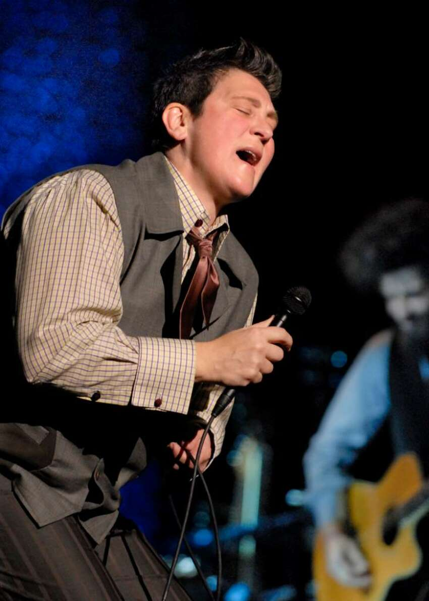 Photo by Mike Thut KD Lang performs at the Klein Auditorium in Bridgeport, Conn.