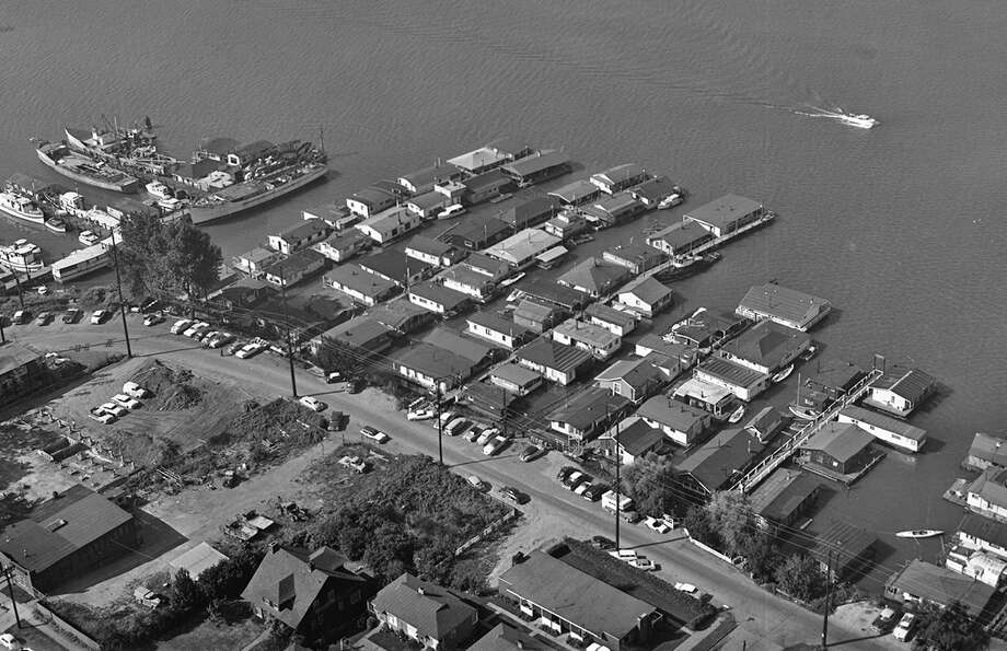 An aerial view of houseboats at Fairview Avenue East and East Newton Street in 1962.  Photo: Seattle Municipal Archives, /