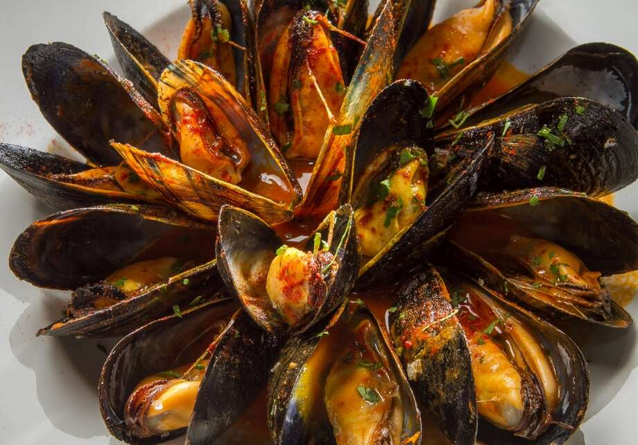 The Mussels in broth at Donostia.