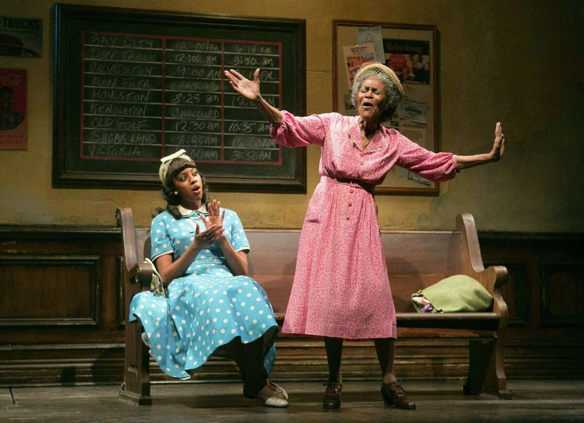 Cicely Tyson stars as a widow determined to leave Houston to visit her hometown in