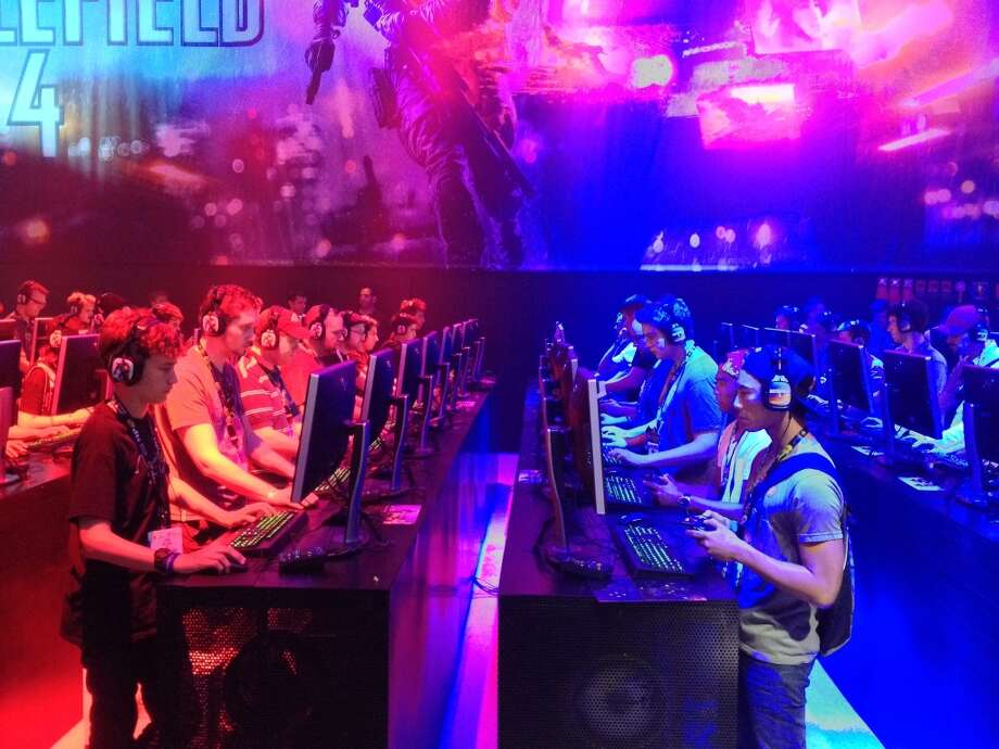 "To demonstrate ""Battlefield 4,"" EA had 64 players go head to head at E3."