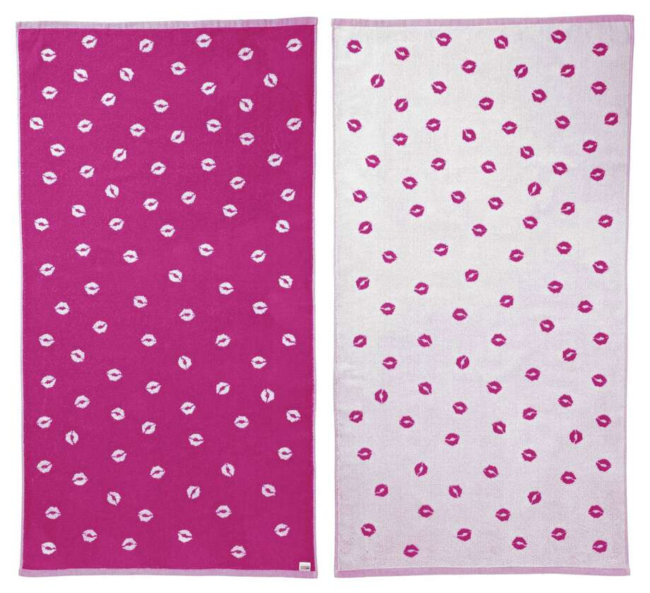 Chrissie Miller reversible beach blanket Photo: HOEP / One Kings Lane