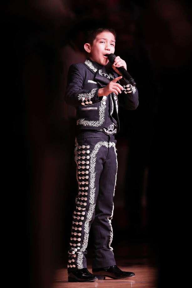 Young mariachi sings anthem again - San Antonio Express-News