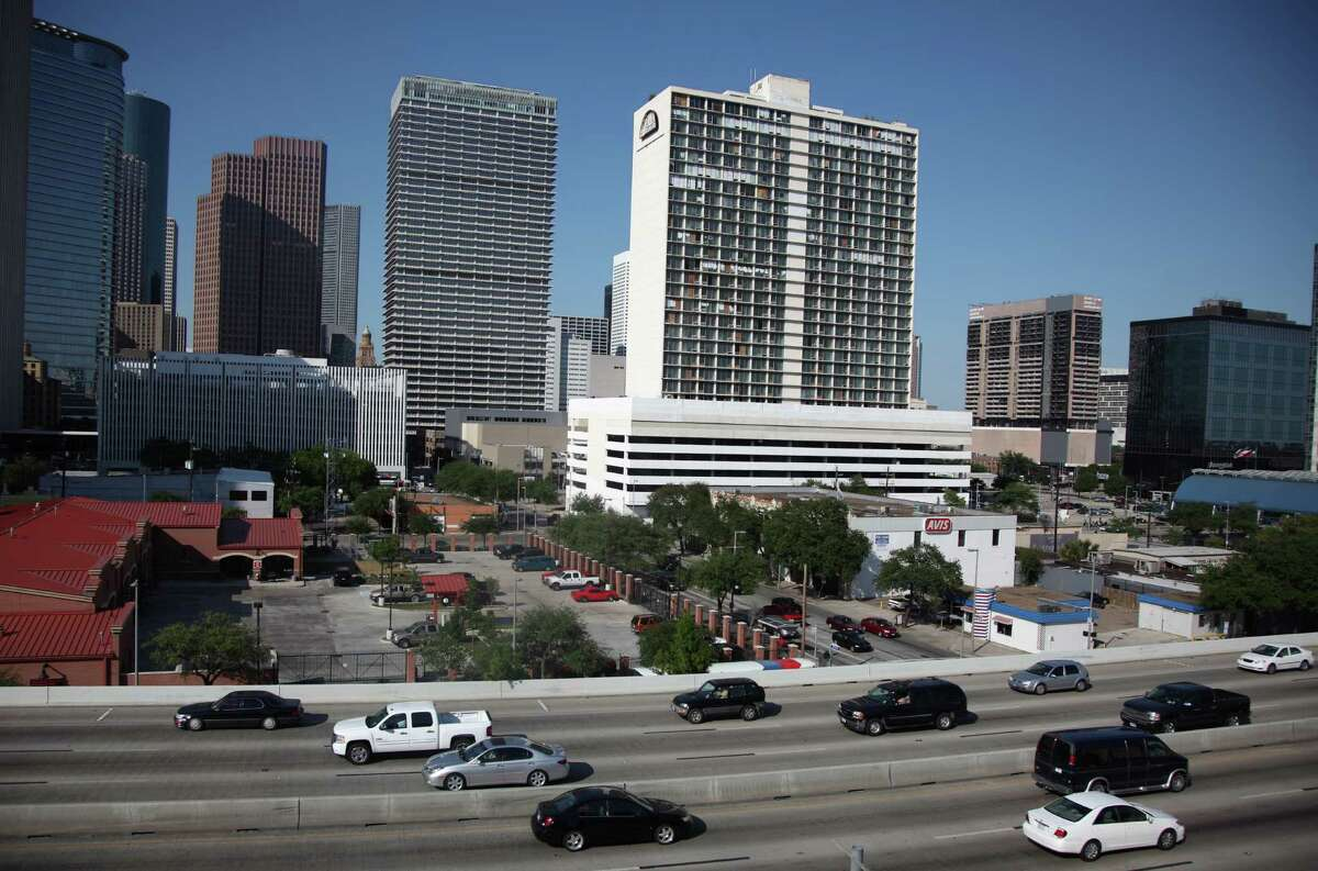 Owners of the old Days Inn hotel at 801 St. Joseph Parkway in downtown Houston confirmed that they are in the process of renovating the building and will soon ink a deal with a major hotel franchise, Aug. 11, 2016.