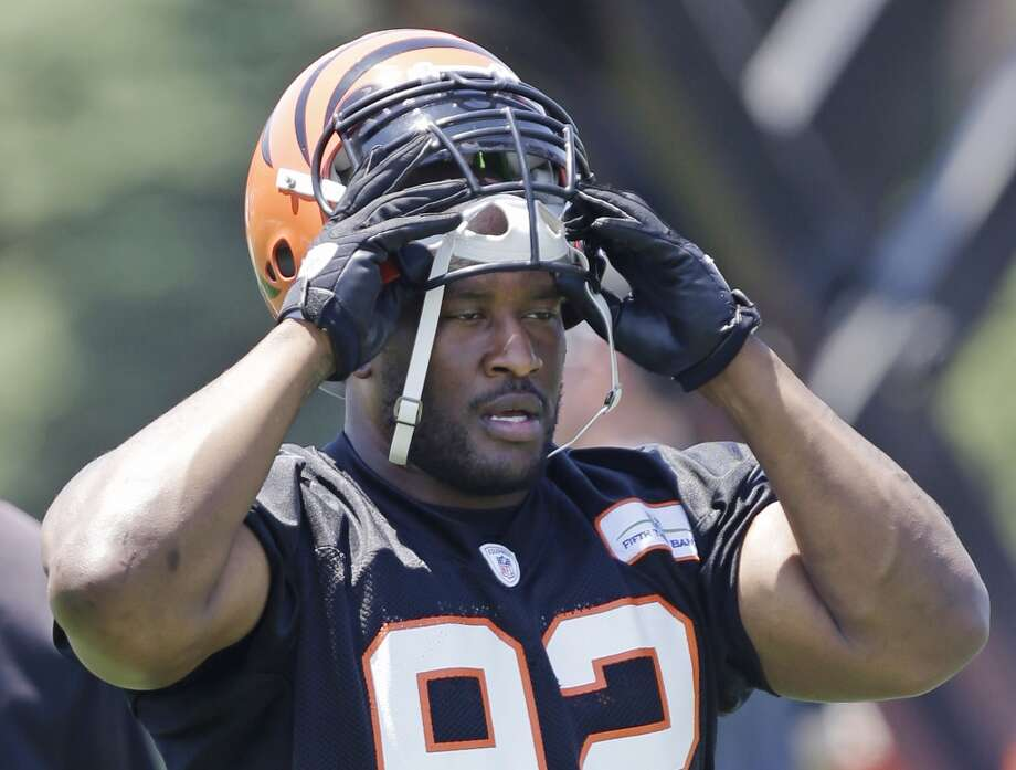 James HarrisonSigned two-year, $4.5 million deal with the BengalsLast year: Steelers Photo: Al Behrman, Associated Press