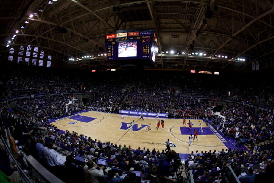 Who's playing in the UW Alumni GameThe guest list for Washington's upcoming basketball alumni event is enough to make any Dawg drool.  The aptly named University of Washington Men's Basketball Alumni Event will start at 1 p.m. June 23 at Hec Edmundson Pavilion on the UW campus. It's open to the public — tickets cost $15 and children under 12 are free.  What's on the agenda? A ''Legends Game'' featuring two teams of former UW standouts -- one made up of Huskies who departed before 2009, and the other of Huskies who left after then. There will also be a three-point shootout and a slam-dunk contest. Two of the featured Huskies, by the way, have each won their own NBA slam-dunk contest.  Click through the gallery to meet the 18 former Huskies who'll be playing each other.  Photo: Collegiate Images, Collegiate Images/Getty Images / 2012 Collegiate Images