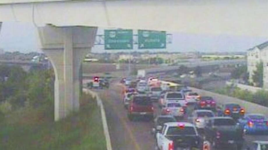 A big rig wreck jams the ramp at I-610 West Loop, southbound, at US 59 southwest Friday morning. Photo: (TranStar)