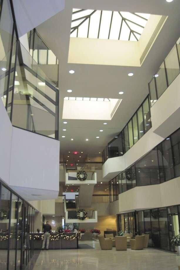 BEFORE: Atrium of 515 Post Oak