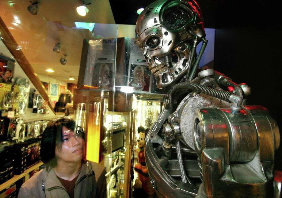 Below the human exterior, the Terminator looked like this. Photo: YOSHIKAZU TSUNO, AFP/Getty Images / 2006 AFP