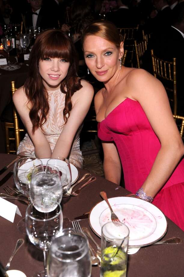 NEW YORK, NY - JUNE 13:  Singer Carly Rae Jepsen (L) and actress Uma Thurman attend the 4th Annual amfAR Inspiration Gala New York at The Plaza Hotel on June 13, 2013 in New York City.  (Photo by Jamie McCarthy/Getty Images)