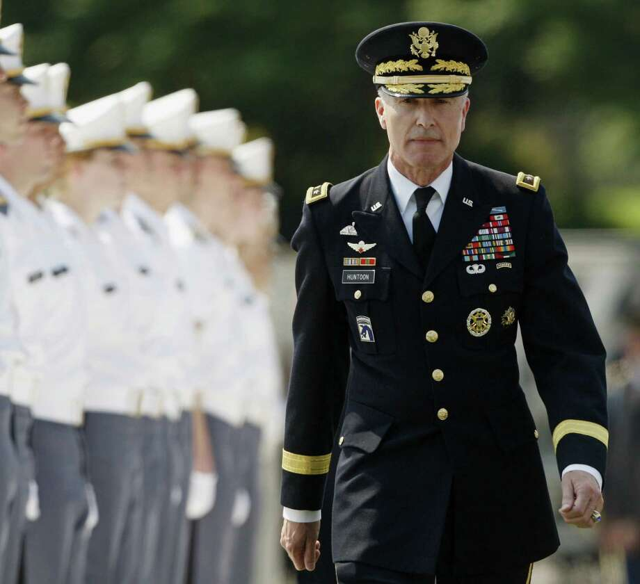 A probe found improper actions by Lt. Gen. David Huntoon.