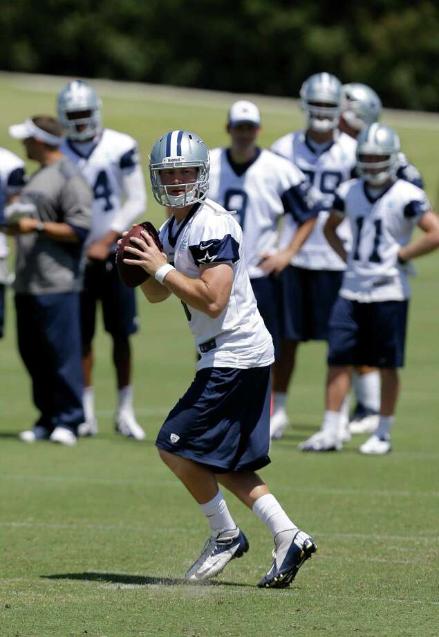 Dallas Cowboys quarterback Nick Stephens (3) drops back to pass during their NFL football minicamp on Thursday, June 13, 2013, in Irving, Texas. (AP Photo/Tony Gutierrez) Photo: Tony Gutierrez, Associated Press / AP