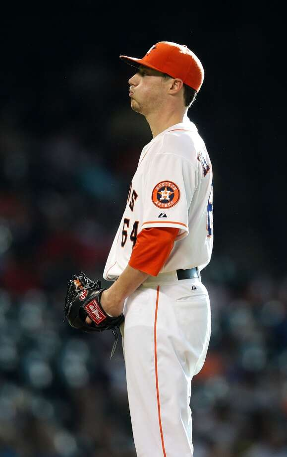 Astros starting pitcher Lucas Harrell pitches.
