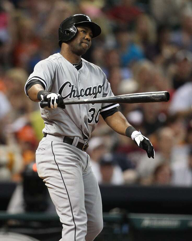 White Sox center fielder Alejandro De Aza strikes out to end the seventh inning.