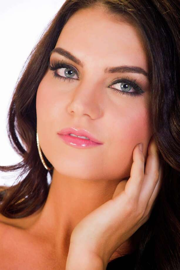Miss Washington Cassandra SearlesFun fact: She purchased a home when she was 20 years old without any help from anyone. Photo: Darren Decker, Miss Universe Organization / HO/Miss Universe Organization L.P., LLLP.