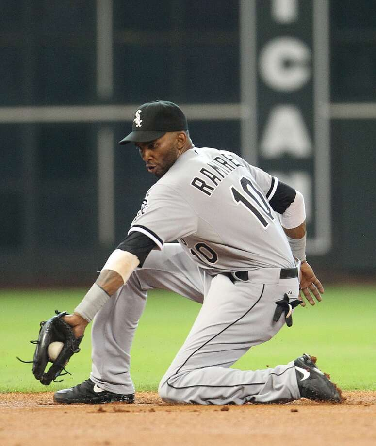 White Sox shortstop Alexei Ramirez makes a play on defense against the Astros.