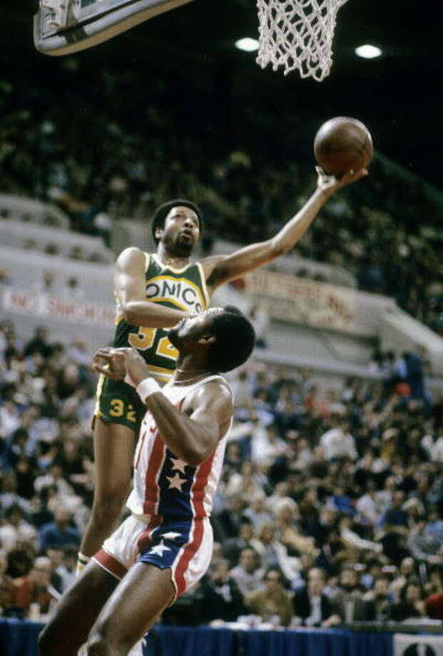 Downtown Freddy BrownFred Brown-- SuperSonics (1971-84)  Photo: Focus On Sport, Getty Images / 2008 Focus on Sport