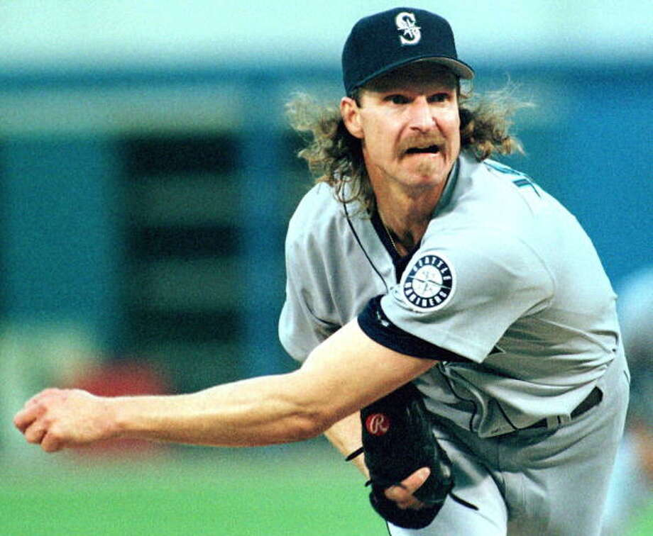 The Big Unit  Randy Johnson -- Mariners (1989-98)  Photo: DANIEL LIPPITT, AFP/Getty Images / AFP