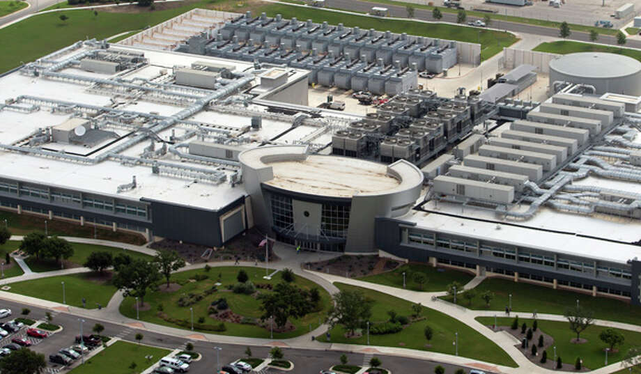 The National Security Agency building in San Antonio is seen in this Thursday June 14, 2013 aerial photo. The NSA may have invested as much as $300 million to overhaul the former Sony fabrication plant, which was closed in 2003, to turn it into a hub of classified activity, However, the agency appears to have departed from its normal process of identifying major construction projects in the Defense Department budget with the San Antonio facility. Photo: William Luther, San Antonio Express-News / © 2013 San Antonio Express-News