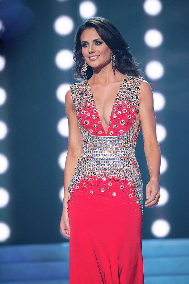 Miss Texas USA 2013, Ali Nugent, competes in her evening gown during the 2013 MISS USA Competition at PH Live in Las Vegas, Nevada on Sunday June 16, 2013. Photo: Patrick Prather, Miss Universe Organization / Miss Universe Organization L.P., LLLP.