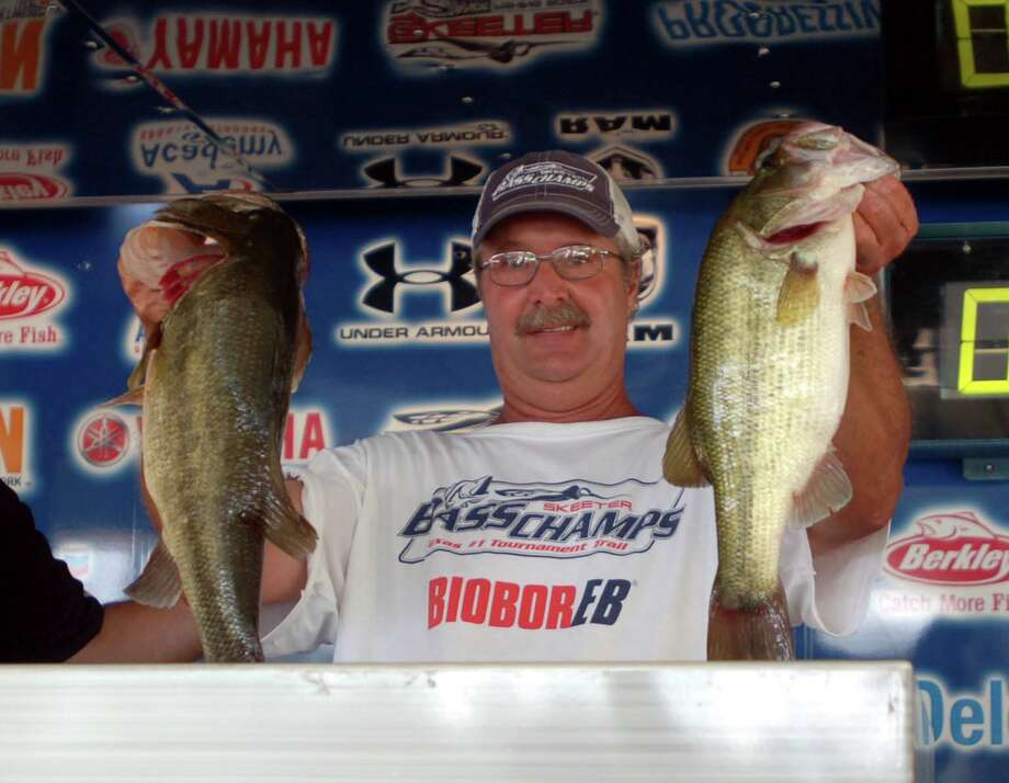 One last cull gave Mark Mowery and Joe Mauldin the weight they needed to win 2nd place with 15.32 lbs.  Photo by Patty Lenderman
