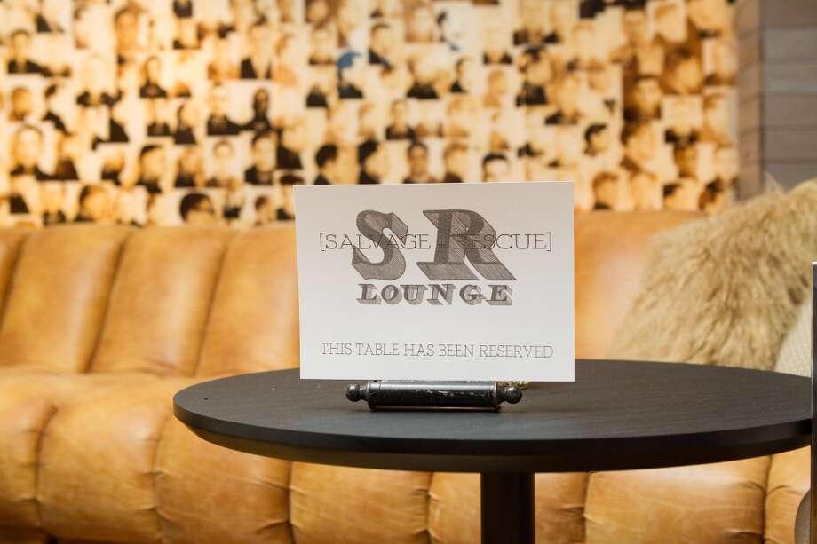 S+R Lounge.