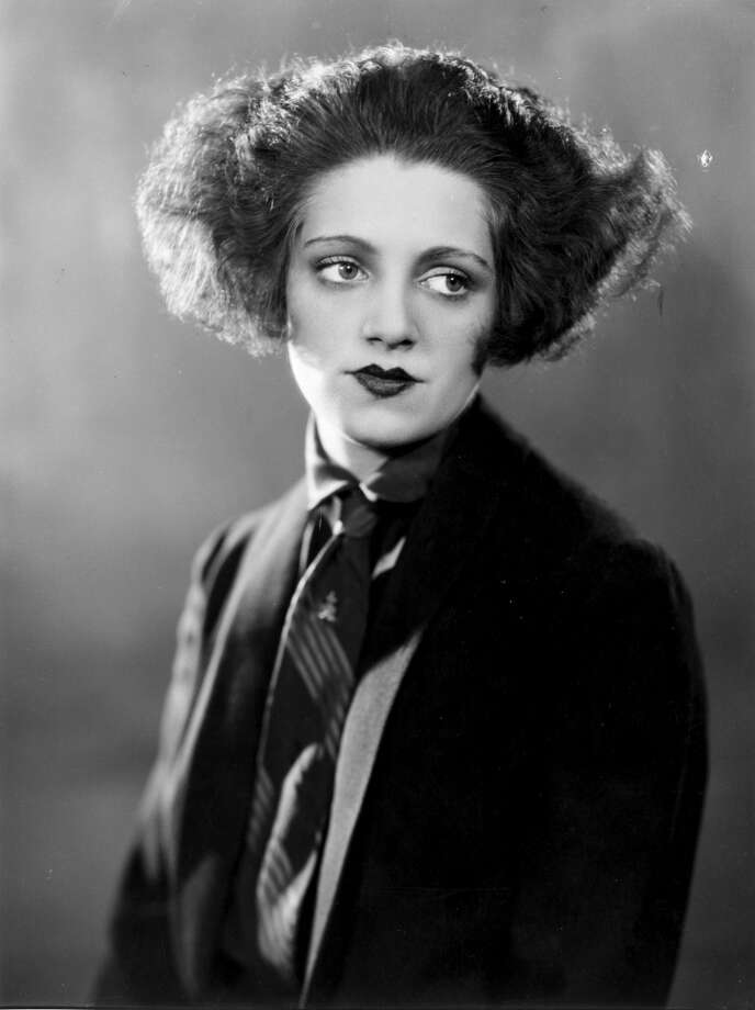 1926:  Actress Hermione Baddeley (1906 - 1986), appearing in 'Queen High' at the Queen's Theatre. Photo: Getty Images